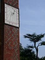 Sundial, Farnham
