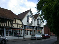 Shops, Shere