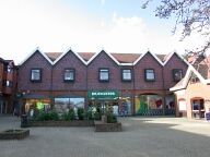 Supermarket, Lightwater
