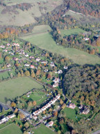 Aerial photograph of Houses north of Reigate