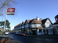 Centre, Tadworth