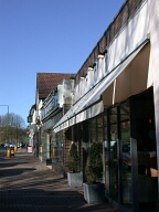 Shops, Kingswood
