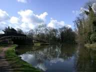 Wey navigation and Basingstoke canal, New Haw
