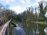 Bridge to the Basingstoke canal, New Haw