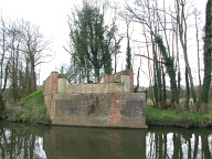 Former Guildford to Horsham railway line bridge, Guildford
