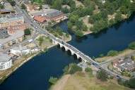 Aerial photograph of Chertsey bridge