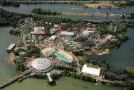 Aerial photograph of Thorpe Park
