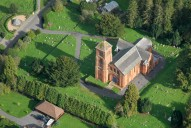 Aerial photograph of Church of St Peter and St Paul, Albury