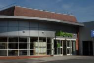 Supermarket, Cobham
